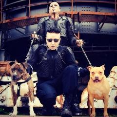 """Erk Aicrag (Hocico): """"Вы увидите двух жестоких псов, готовых укусить вас!"""""""